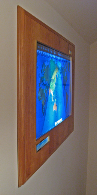 Geochron Boardroom Model flush mounted (201,944 bytes)