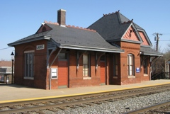Laurel Train Station (26,312 bytes)