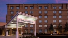 DoubleTree by Hilton Hotel Laurel (35,113 bytes)