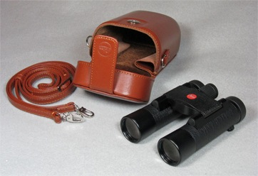 Leica 10x25 BL Ultravid with brown leather case (26,786 bytes)