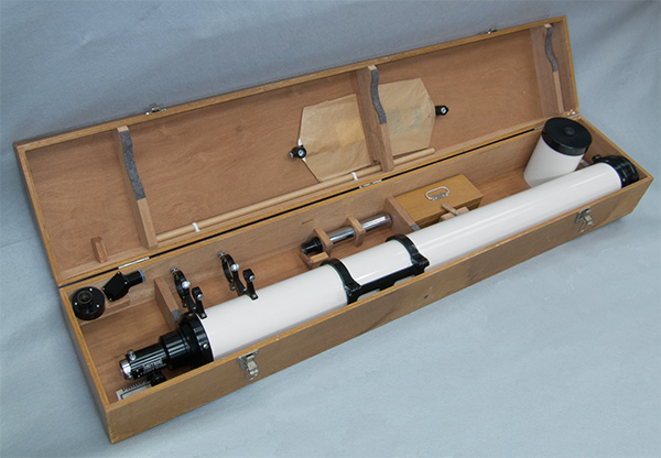 Unitron 4-inch refractor telescope optical tube in its case (99,350 bytes)