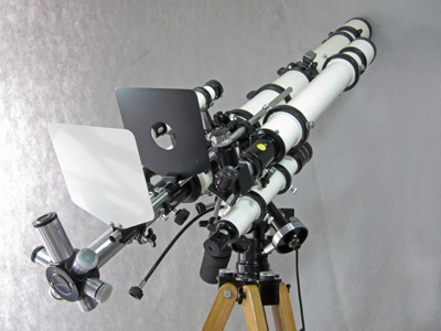 Unitron 3 inch Photo Equatorial telescope right rear view (57,581 bytes)