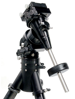 Losmandy Titan Mount Head with Tripod, 21 lb. Counterweight (63,202 bytes)