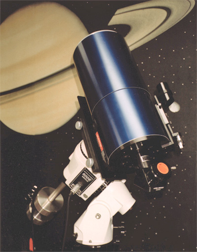 Questar Seven Astro barrel viewed from rear left on optional Astro-Physics Model 600E GTO Mount) (123,818 bytes)
