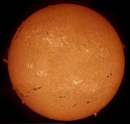 The Sun through a Solarscope DSF-70 filter (36,448 bytes)