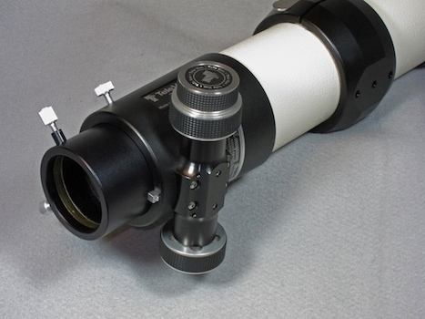 TeleVue 85 right rear view showing Feathertouch Focuser (30,291 bytes)