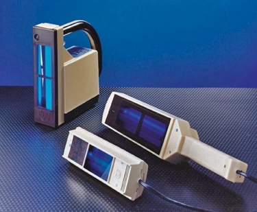 examples of UVP Compact series, Portable series, and handheld UV lamps (68,681 bytes)